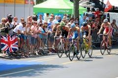 Het gezonde de oefening van de triatlon triathlete sport cirkelen Stock Afbeeldingen