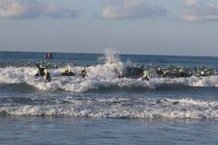 Het gezonde de oefening van de triatlon triathlete sport zwemmen Royalty-vrije Stock Foto's