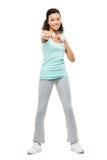 Het gezonde jonge gemengde rasvrouw uitoefenen geïsoleerd op witte rug Stock Afbeeldingen
