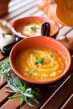 Het Gezonde Voedsel van de Soep van de Wortel van de pompoen Stock Fotografie