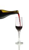 Het Gieten van de rode Wijn Royalty-vrije Stock Afbeelding