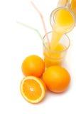Het gieten van het jus d'orange van een kruik Royalty-vrije Stock Afbeelding