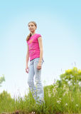 Het gilde van de tiener in openlucht in de zomer Stock Foto