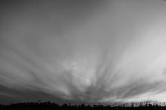 Het gillen wolken in de hemel Royalty-vrije Stock Foto