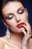 Het glanzen gezichtsmake-up royalty-vrije stock afbeeldingen