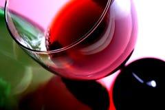 Het Glas & de Fles van de wijn royalty-vrije stock afbeeldingen