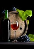 Het glas, het vat en de druiven van de wijn royalty-vrije stock fotografie