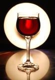 Het glas met wijn stock afbeelding