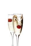 Het glas van Champagne met aardbei Stock Foto's