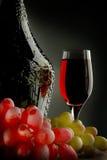 Het glas van de de wijnstokwijnstok van de fles Stock Afbeeldingen