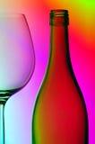 Het glas van de fles en van de wijn Stock Fotografie