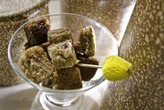 Het Glas van de Kubus van het koekje op Geweven Achtergrond Stock Afbeelding