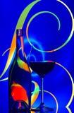 Het glas van de wijn en flessensamenvatting Royalty-vrije Stock Foto's