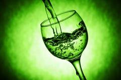 Het glas van Nice met waterplonsen Stock Foto
