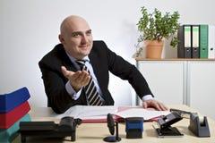Het glimlachen businessmann Stock Foto's