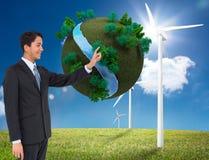 Het glimlachen het Aziatische zakenman richten Stock Afbeeldingen