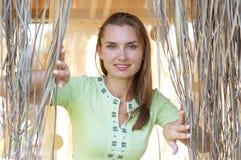 Het glimlachen van de vrouw. Openlucht portret Royalty-vrije Stock Fotografie