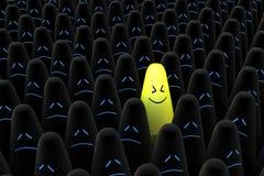Het glimlachen van kegel in het centrum van zwarte menigte Stock Afbeelding