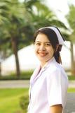 Het glimlachen van Thaise verpleegster Royalty-vrije Stock Fotografie