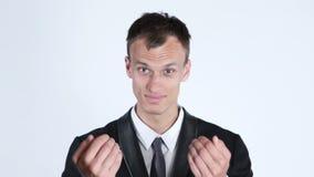 Het glimlachen zakenman het uitnodigen - zaken, bureau en technologieconcept stock videobeelden
