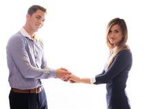 Het glimlachende paar die elke anderen houden overhandigt Stock Foto