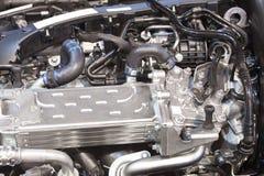 Het gloednieuwe detail van de voertuigmotor Mechanische delen royalty-vrije stock afbeeldingen