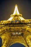 Het gloeien lichten van de Toren van Eiffel Stock Foto