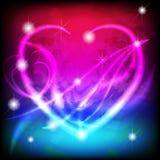 Het gloeiende hart van de Valentijnskaart op magische achtergrond Stock Afbeeldingen