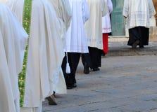 Het godsdienstige gaan naar kerk Stock Foto's