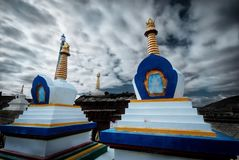 Het godsdienstige monument van Chortenstupa van Tibetaans Boeddhisme, stock fotografie