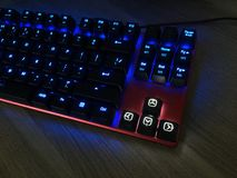 Het gokkentoetsenbord glanst met multi-colored sleutels voor het gemak van spelers stock foto's