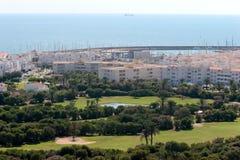 Het golfcursus van Almerimar en haven in Spanje Stock Fotografie