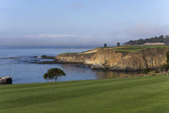 Het golfcursus van het kiezelsteenstrand, Monterey, Californië, de V.S. Stock Fotografie
