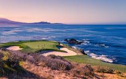 Het golfcursus van het kiezelsteenstrand, Monterey, Californië, de V.S. stock afbeelding