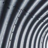 Het golfpatroon van de metaalmuur, vierkante achtergrond Stock Fotografie