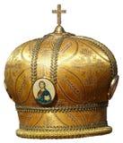 Het goud bewerkt - plechtig hoofddeksel van orthodoxe bisho in verstek Stock Afbeeldingen