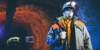 Het goud van de mijnwerkers ondergrondse mijnbouw Stock Fotografie