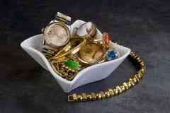 Het Goud en de Juwelen van het schroot. Royalty-vrije Stock Afbeeldingen