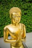 Het gouden beeld van Boedha in tempel, Thailand Stock Afbeelding