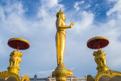 Het gouden Bevindende standbeeld van Boedha, Thailand Royalty-vrije Stock Fotografie