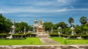 Het gouden monument van sithataboedha royalty-vrije stock foto's