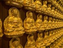 Het gouden standbeeld van Boedha Royalty-vrije Stock Afbeeldingen
