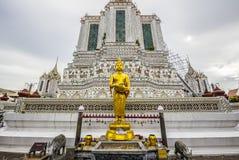 Het gouden Standbeeld van Boedha, Wat Arun stock foto's