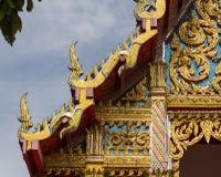 het gouden tempeldak in Thaise tempel Royalty-vrije Stock Foto