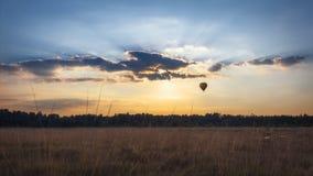 Het Gouden Uur van Ballooning royalty-vrije stock afbeeldingen