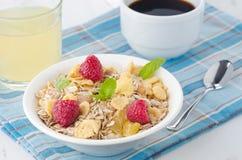 Het graangewas, de koffie en het sap van het ontbijt Stock Afbeelding