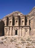 Het graf ED-Deir in oude stad Petra stock afbeeldingen