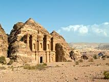 Het graf van het klooster - Petra, Jordanië Stock Fotografie