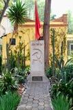 Het graf van Leon Trotsky bij het huis waar hij in Coyoacan, Mexico-City leefde royalty-vrije stock foto