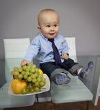 Het grappige portret van de het gezichtsuitdrukking van de babyjongen Stock Fotografie